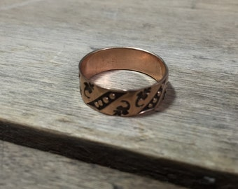 Antique 10K yellow gold cigar band leaf and dot pattern
