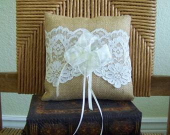 Ring bearer pillow, Burlap and lace, rustic wedding pillow, country wedding ring bearer pillow, FREE SHIPPING!