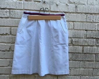 70s White Skirt with Red and Blue Waistband. 1970s A Line Skirt. Medium. Tennis. High Waist Skirt.