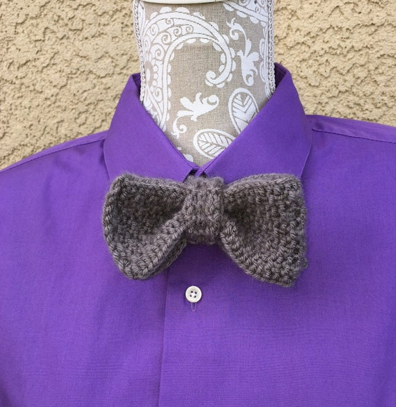 Bow Tie  --  a loom knit pattern