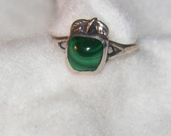 Beautiful Malachite Apple Ring
