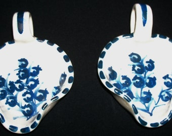 Vintage Pair Original Handmade Hand-painted Dorchester Pottery Individual Handled Butter/Syrup Nappy Dishes –Blueberry Design