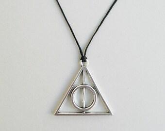 Charm choker,Triangle charm,Sacred Geometry,Charm necklace,Black choker,Triangle necklace,Fandom jewelry,Geek gift,Nerd gifts,Adjustable