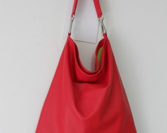 """bag model """"flat sack"""" in red leather"""