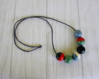 Wooden bead necklace / painted wooden bead / round beads / army green / blue / red