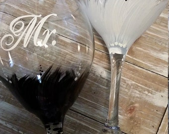 Bride & Groom Mr and Mrs Toasting Glasses/Black/White/Painted