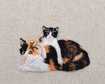 Calico - Mother Cat and Kitten - Iron on Applique - Embroidered Patch - 150403