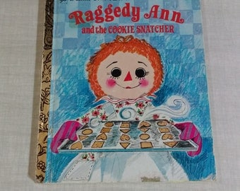 "Little Golden Book 107-3 ""Raggedy Ann and the Cookie Snatcher"" 1979"