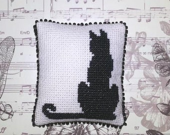 Pin cushion black cat  Gift for cat lover Cross-stitch Homemade gifts