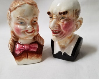 Old Couple, Bust  Salt and Pepper Shakers (830)