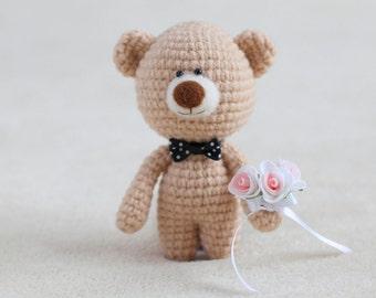 Crochet amigurumi teddy bear with the flowers - small teddy bear, personalized bear gift, birthday bear, Valentine teddy bear MADE TO ORDER