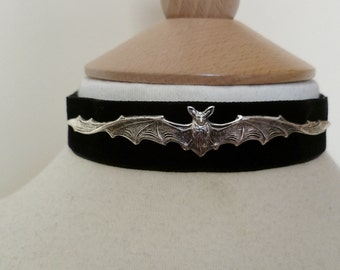 Black Velvet pewter bat Choker Pagan Goth Wicca Necklace goth Halloween fantasy