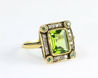 Peridot and diamond ring in 9 carat gold vintage for her