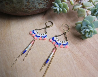 Pradeep - Earrings dangling bronze and neon coral