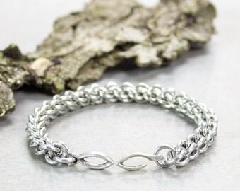 Bracelet Kit, Silver Aluminum Jens Pind Chainmaille Bracelet, Modern Greek Fish & Hook Clasp, chainmaille rings bracelet