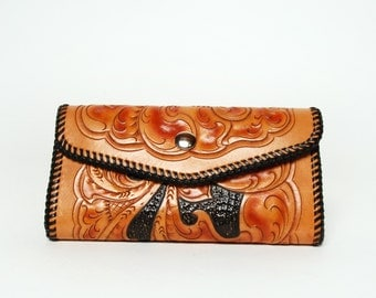 Large Hand Tooled Wallet Multipule Sleeves and Room for Cash, Pics and Credit Cards