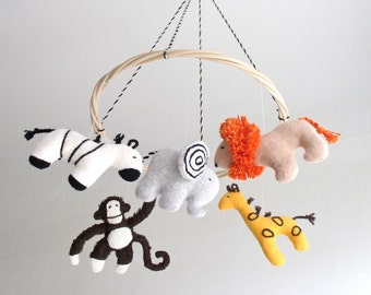 Safari baby mobile, jungle animals, zoo, elephant, giraffe, monkey, zebra, lion, nursery decor, baby gift, shower gift, African