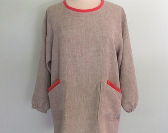 Gray Linen Painter's Smock with 4 Pockets and Contrasting Coral Trim, Long Sleeve Apron, Artist Apron, Flax Apron, Linen Apron, Mix Natural
