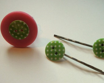 Upcycled pretty button ring and hair clips to match in pink/green
