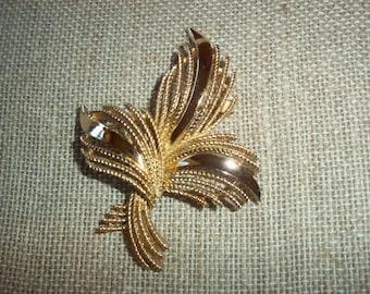Trifari Gold~Tone Wheat Spray Brooch Brushed Textured Gold~Tone & Shiny Shafts Modern Trifari Costume Jewelry