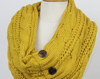 Coconut button, KNIT scarf, cable knit i scarf , cable knit woman scarf infinity scar button scarf