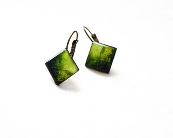 Seaweed resin earrings / Rhomb green earrings / Antique bronze jewelry / Botanical earrings / Nature jewelry / Cool gift / FREE SHIPPING