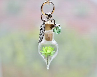 Terrarium Necklace Peridot Jewelry Light Green Flower Terrarium Jewelry Crystal Jewelry August Birthstone Unique Gift Glass Bottle Necklace