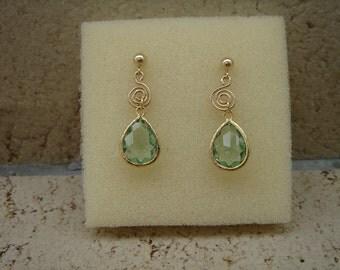 585 yellow gold filled earrings beautifully in zartgrün,