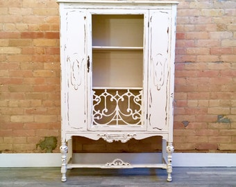 The Florence Cabinet in Antique White