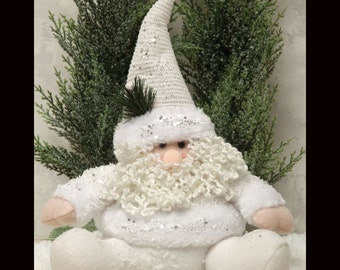 "11"" Sitting White Santa/Wreath Enhancement/Christmas Decor/R5208"