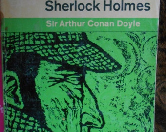 Penguin Paperback. Memoirs of Sherlock Holmes by Sir Arthur Conan Doyle.