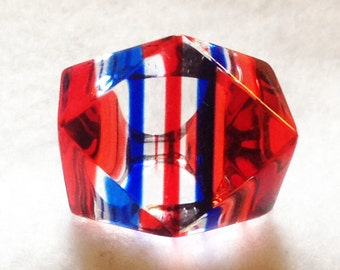 Vintage Mod Lucite Ring Op Art Red Blue Clear Size 5.5