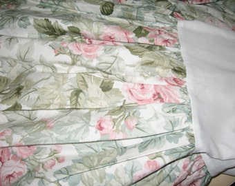 Vintage Shabby Chic/Cabbage Roses/Queen-Full/Bedskirt
