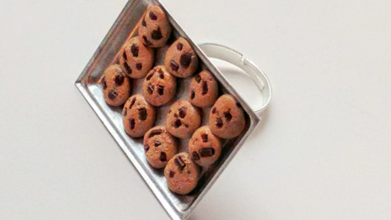 Baking Tray of Chocolate Chip Cookies Ring - Miniature Food Jewelry - Cookies Ring, Inedible Jewelry, Gifts for Foodies, Statement Food Ring
