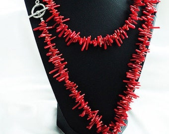 Red coral. Long thread.