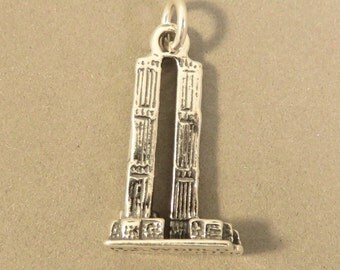 Sterling Silver 3-D TWIN TOWERS Charm Pendant Landmark New York City Manhattan NY World Trade Center Travel .925 Sterling Silver New tr70