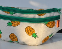 Fanny Pack pineapple  with green zipper ,travel pouch, canvas belt pouch, waist pouch, hip bags,  hip pouch, belt pouche
