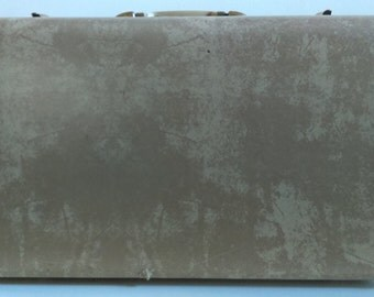 Vintage Grey Samsonite Suitcase.