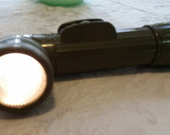 Vintage 1960's or 70's US Military Olive Drab Flashlight W/ Flasher Model MX991/U-Red/Blu/White Filters