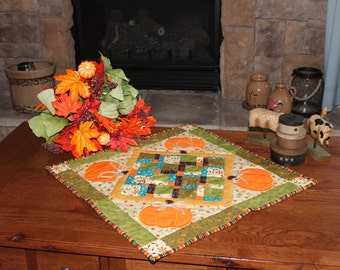 Fall Pumpkin Table Topper