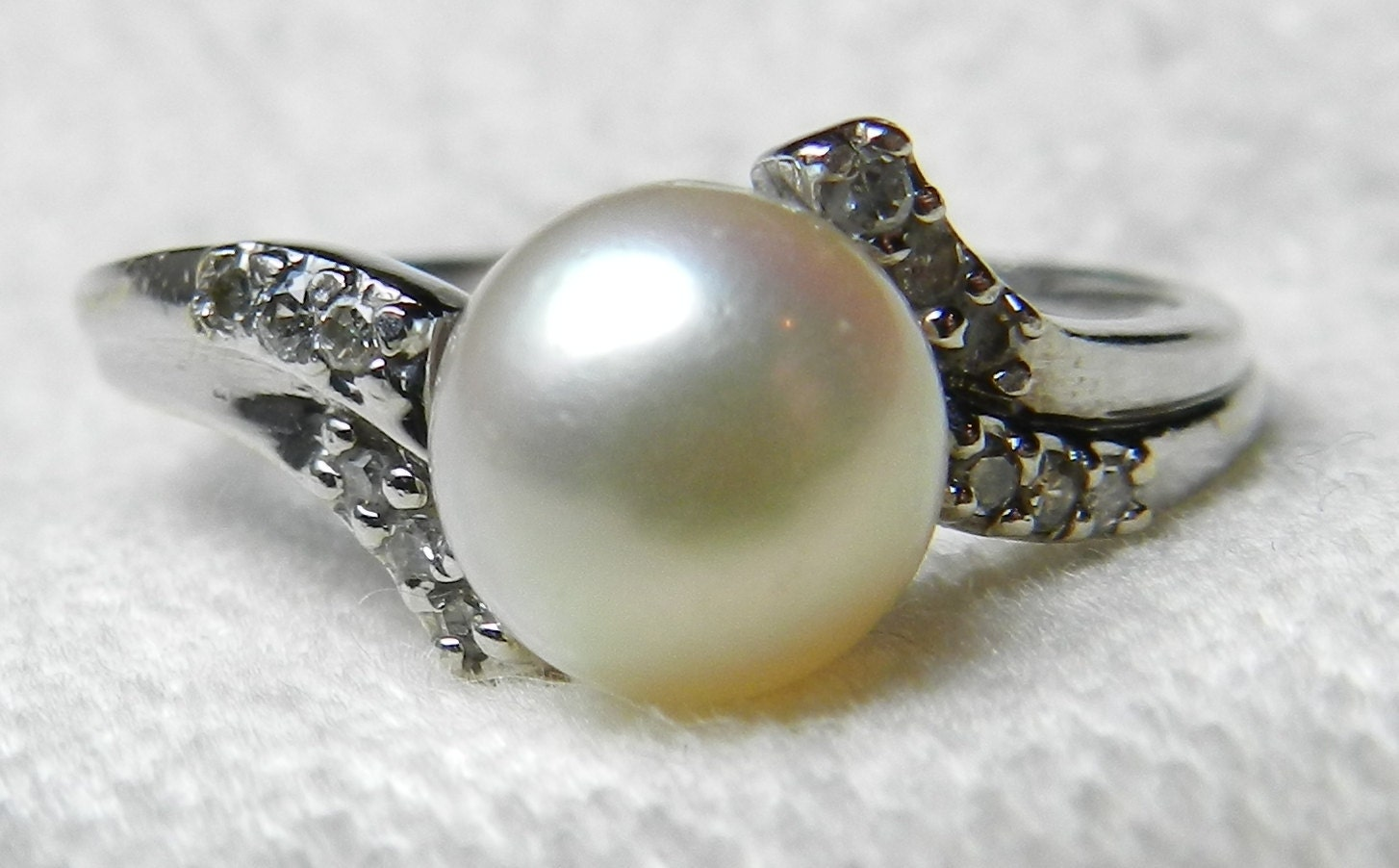 Vintage Pearl Engagement Ring 0.10 Cttw Diamond Cultured Pearl