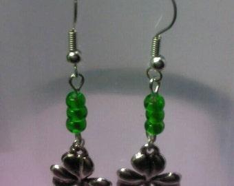 Clover charm earrings