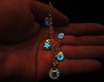 Lovely  bracelet glow in the dark