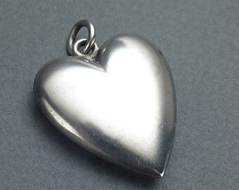 Larger silver heart