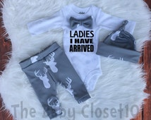 baby boy coming home outfit Set, Ladies i Have Arrived,with Bowtie ,Country Outfit,Boys Deer Outit,Gray,Deer,Boys leggings,hat