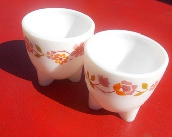 Vintage Pink And Orange Floral French Luminarc Arcopal white pyrex/milk glass Egg cup 1969