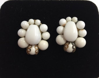 Vintage Milkglass Clip on Earrings