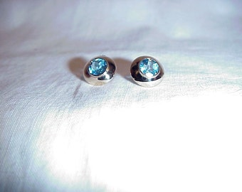 Blue Topaz  In Yellow Gold 14k  Pierced Earrings