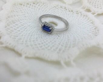 Rings with diamonds pavè and kyanite stone