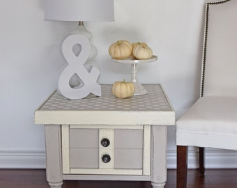 Polka Dots Side Table, Coffee Table, Night Stand - Annie Sloan, Decor Art Chalk Paint, Shabby Chic.